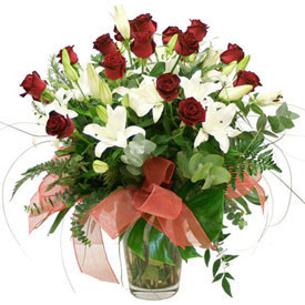Canada Lilies & Roses Arrangement
